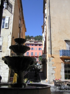 Grasse centre fountain